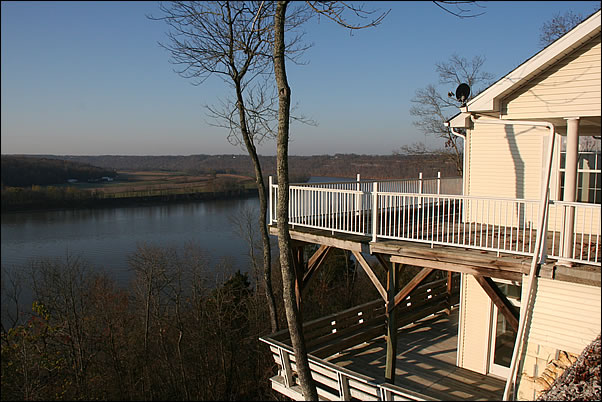 Ohio River Overlook cabin rental